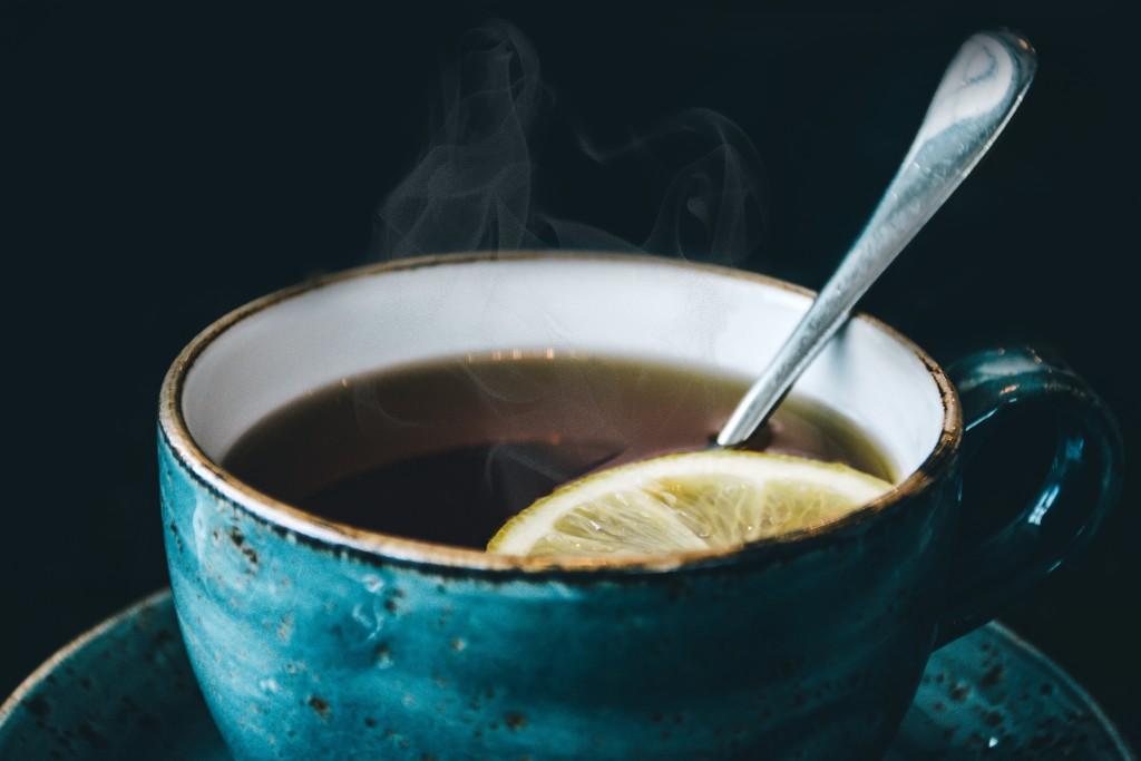 陶器の湯呑みの画像