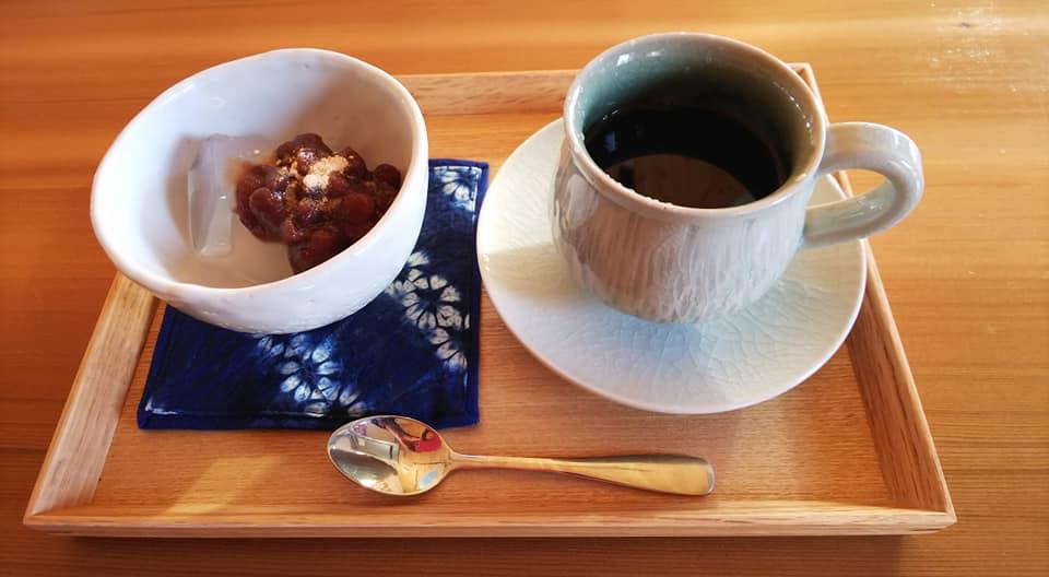 06コーヒーをいれた志隆窯カップ
